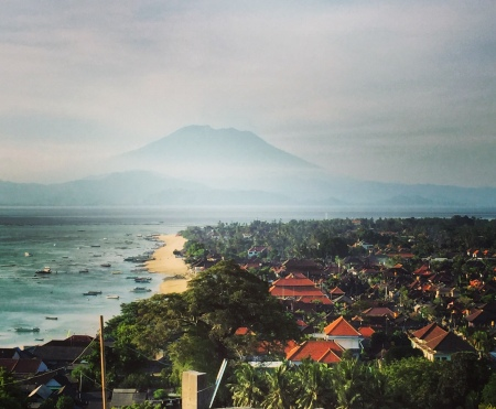 Changing perspective and taking in the breathtaking scenery in Nusa Lembongan.
